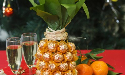 Creative-gift-wrap-champagne-wine-bottle-chocolates-pineapple