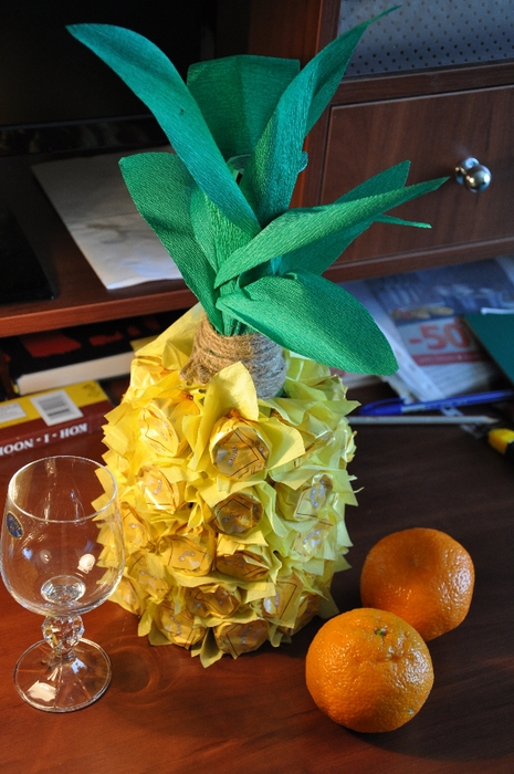 Creative gift wrapping ideas chocolates wine bottle pineapple look