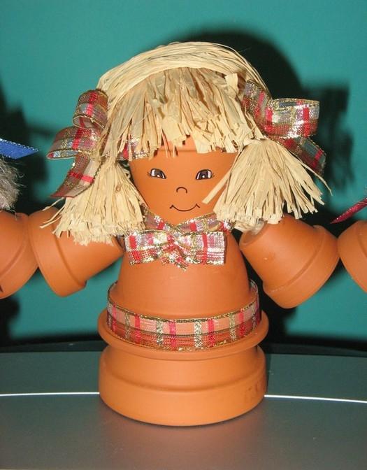 DIY garden decorating ideas cute girl clay pots hair