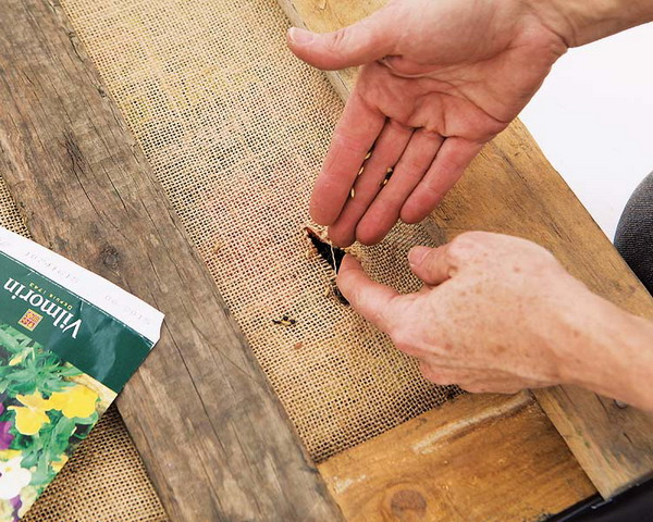 DIY pallet garden burlap scissors seeds