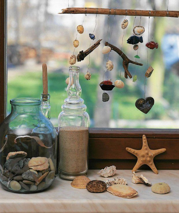 beach-home-decorating-ideas-wind-chyme-wire-seashells