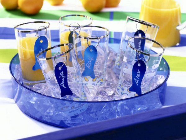 beach-themed-party-name-tags-glasses-fish