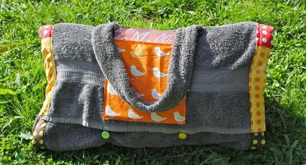 DIY summer project – Bag unwraps into beach towel blanket with pillow