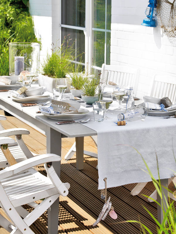 Coastal Table Setting Ideas Garden Tablecloth Weight White