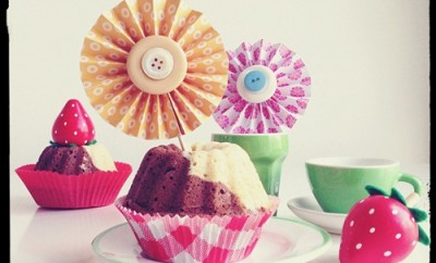cupcake-decorating-ideas-diy-paper-wheels-toothpick-buttons