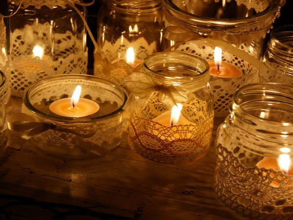 decorating-glass-candle-holders-lace-ribbons