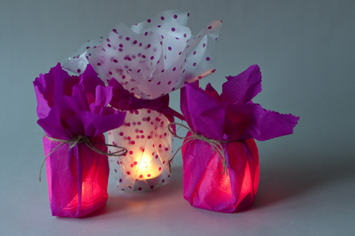 decorating-ideas glass candle holders paper-yarn