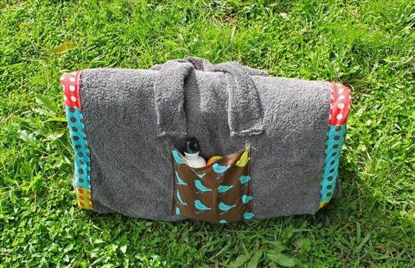 diy beach blanket summer project bag pockets