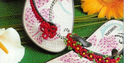 diy-flip-flop-projects-old-ipanema-red-beads
