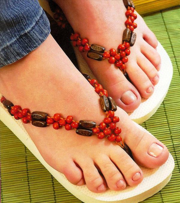 diy flip flops wood red beads embellish