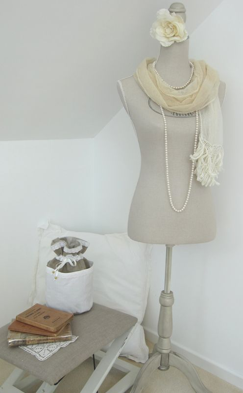 diy jewelry storage ideas tailors-bust-pearl-necklace-scarf