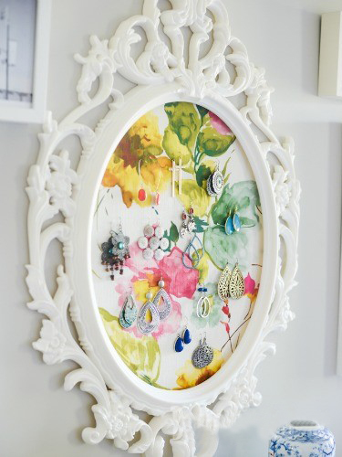 diy-jewelry-storage-ideas-white-painted-mirror-frame-floral-padding