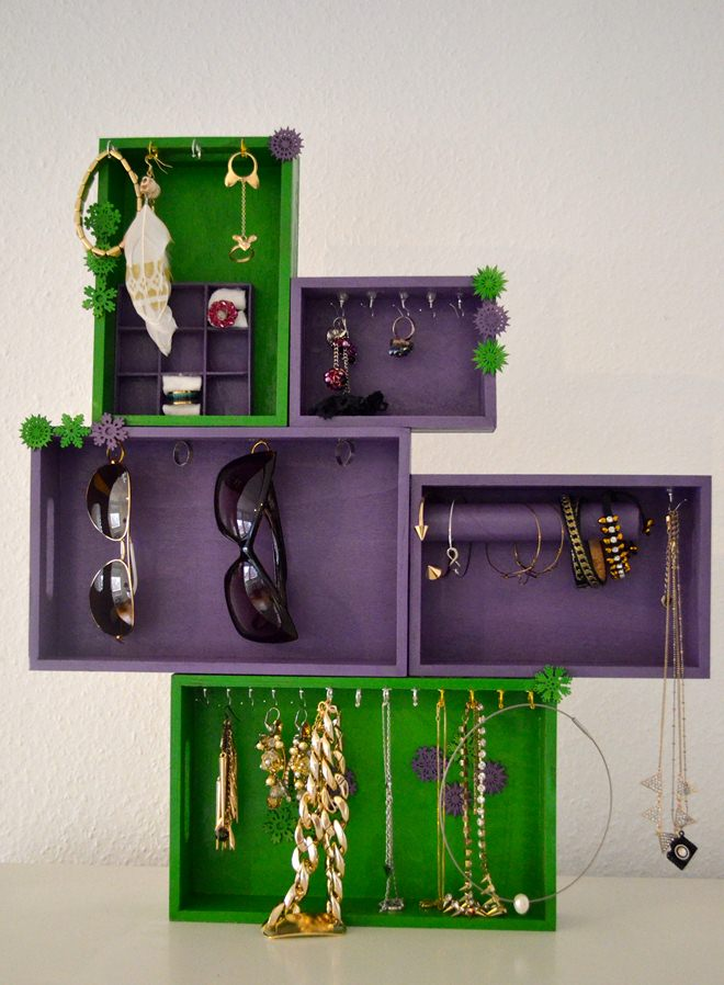 diy-jewelry-storage-ideas-wooden-boxes-purple-green-pained