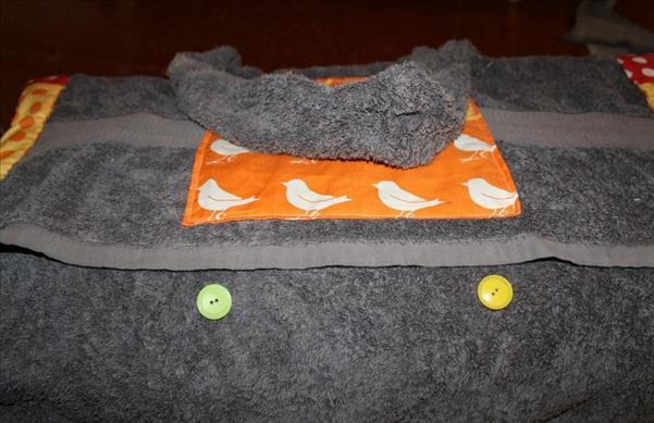 diy summer project beach blanket buttons