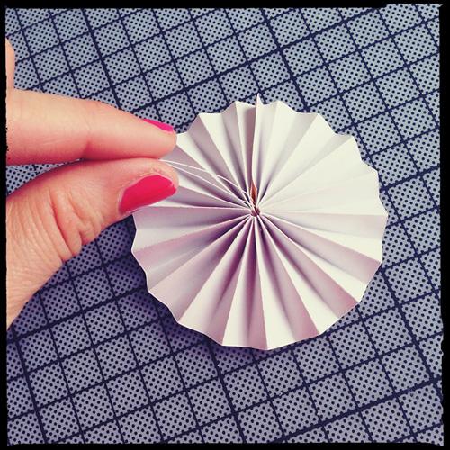 easy cupcake decorating ideas diy thread folded strips
