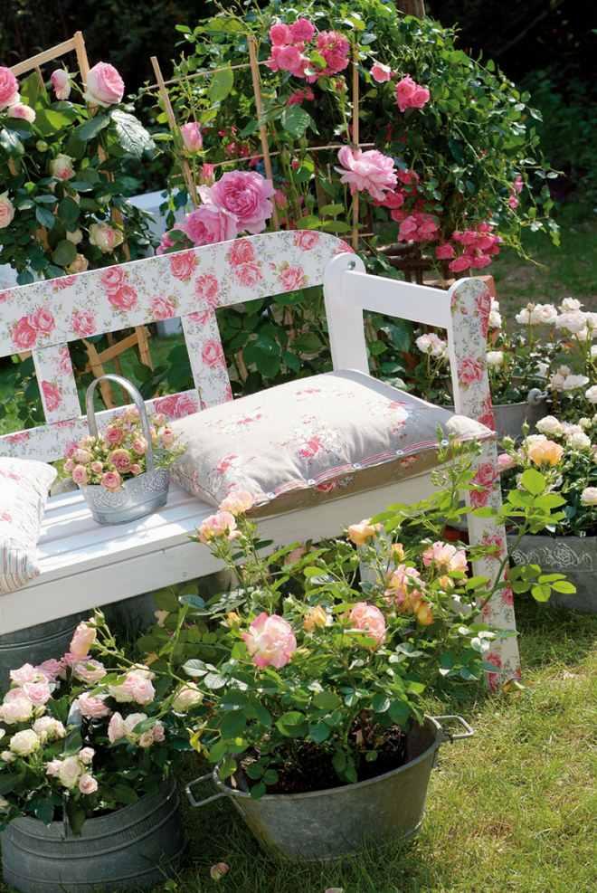 garden-decorating-ideas-diy-decoupage-technique-garden-bench