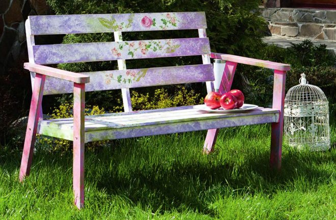 garden-decorating-ideas-diy-garden-bench-decoupage