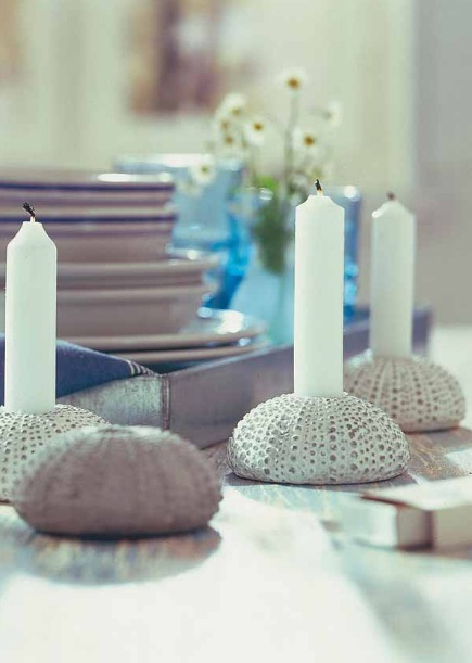 sea inspired table decorations ideas candlesticks sea urchins
