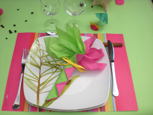 Summer garden party table decorating ideas in exotic colors - Deco table exotique ...