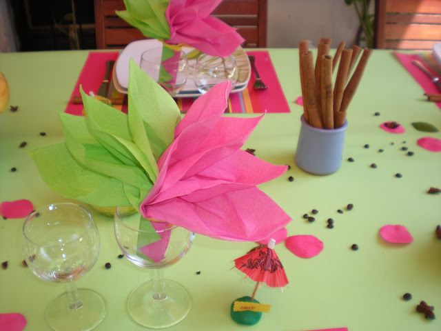summer-garden-party-table-tissue-paper-pink-green-bouquet