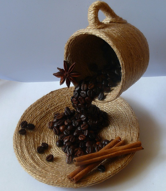 DIY gift idea home decor flying coffee cup jute cinnamon coffee beans