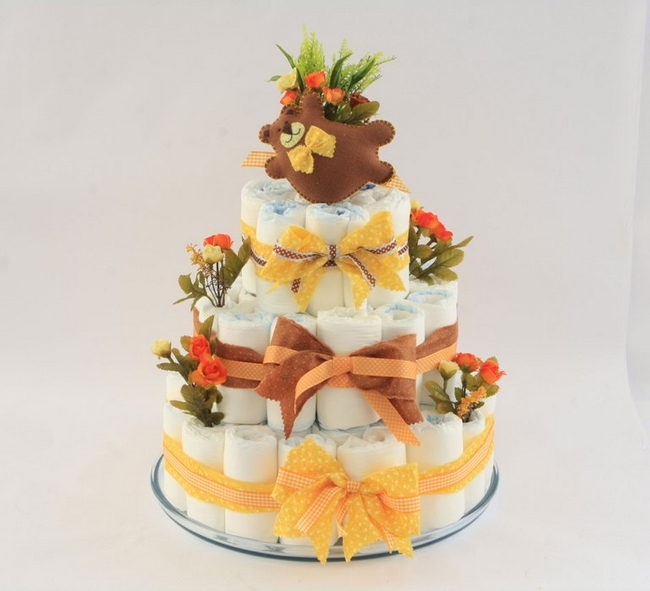 baby-shower-gift-ideas-tiered-diaper-cake-tutorial-brown-yellow