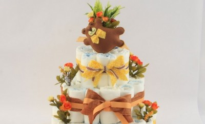 baby-shower-gift-tiered-diaper-cake-tutorial-brown-yellow