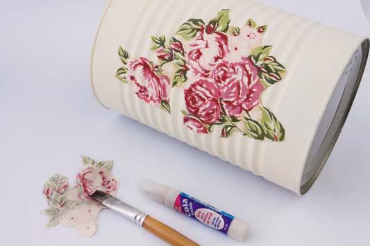 bathroom organizing ideas decoupage fabric tin cans towels