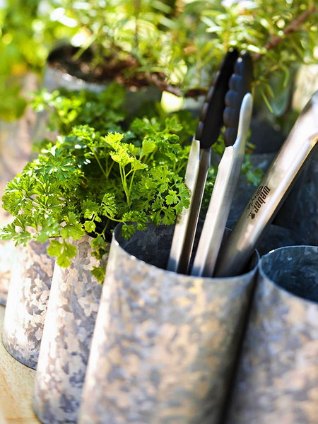 deck decorating ideas tin cans herbs storage display