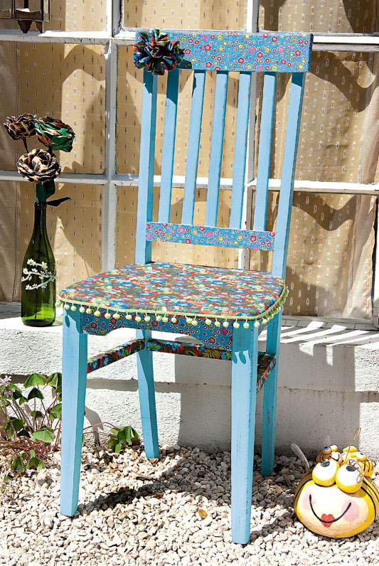 decorate old garden chair blue decoupage fabric flowers
