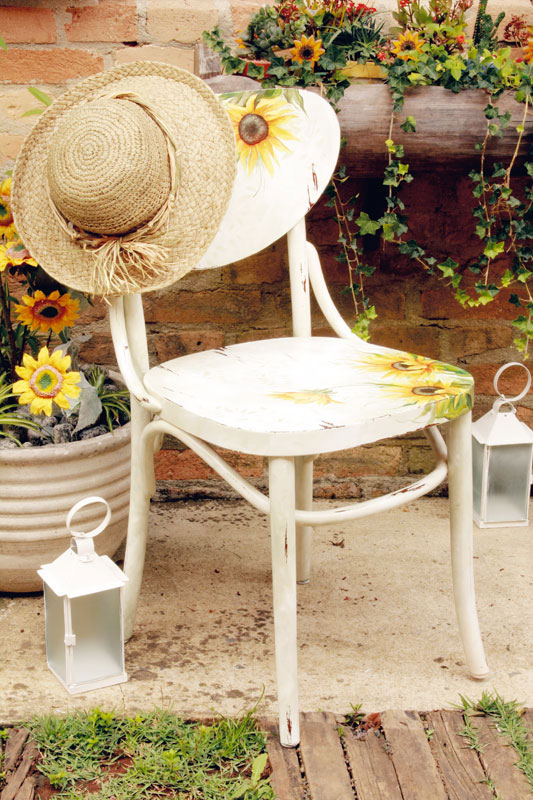 decorate old garden furniture chair sunflowers napkin decoupage