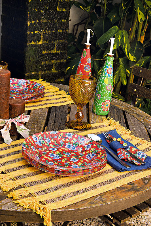 decorative glass plates summer table diy project