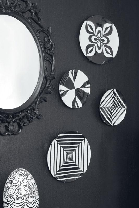 wall plates decor black white acrylic paint geometric pattern