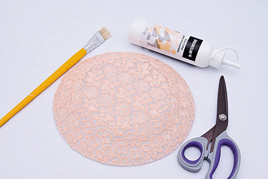 decorative wall plates pink lace fabric decoupage
