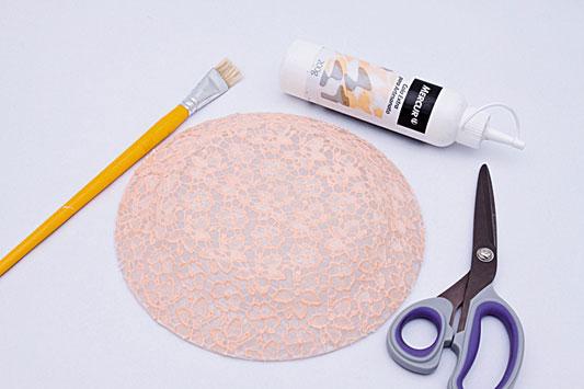 decorative wall plates pink lace fabric decoupage