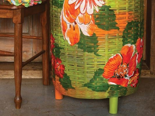 Decoupage with fabric - How to decorate a wicker clothes basket