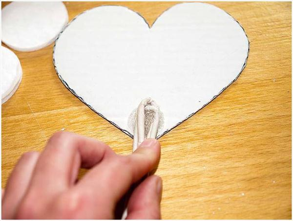 diy-birthday-gift-heart-topiary-cardboard-wire-stem