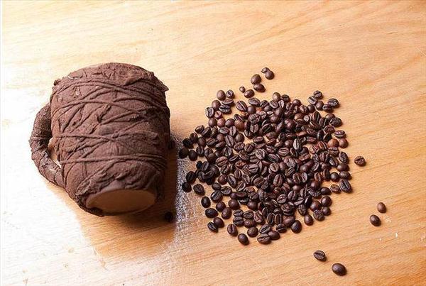diy birthday gift idea brown paint coffee beans