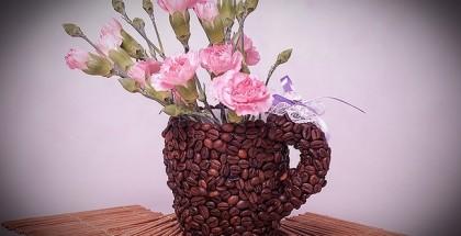 diy-birthday-gift-idea-coffee-mug-coffee-beans-flower-vase