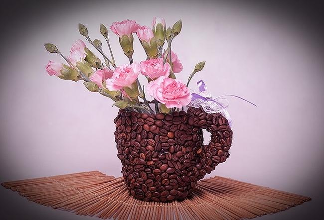 diy birthday gift idea coffee mug coffee beans flower vase