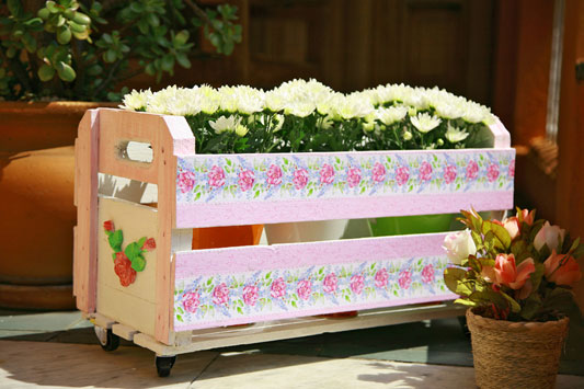 diy garden decor furniture projects wooden crate flowers