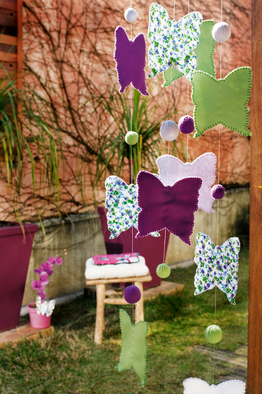 diy garden decorations - colourful ideas with flowers and butterflies