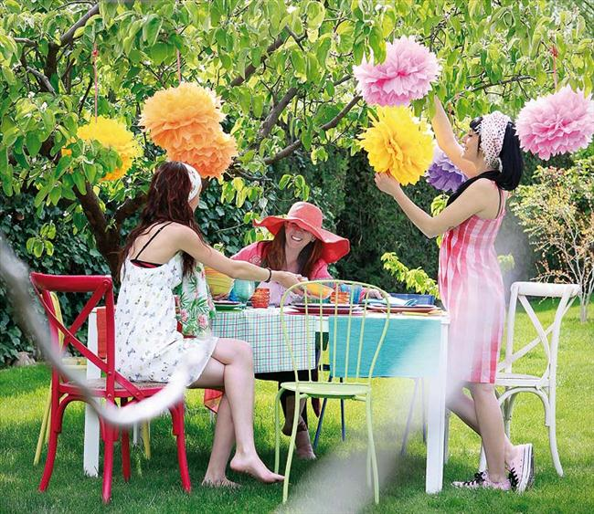 diy garden decorations pom poms tissue paper - Garden Decorations