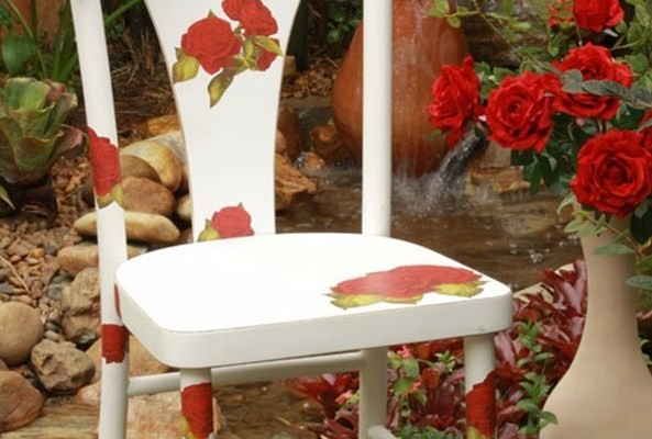 Diy Ideas To Decorate Old Garden Furniture Colourful Garden Chairs