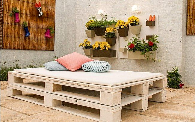 diy garden projects pallet bed balcony cushions
