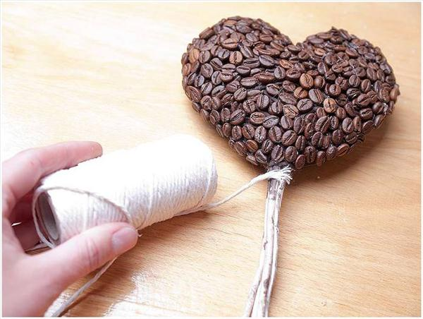 diy gift ideas coffee lovers heart topiary coffee beans