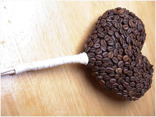 diy-heart-topiary-gift-idea-wire-stem-jute-rope