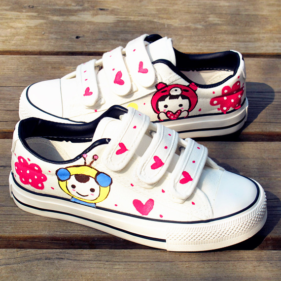 DIY Shoes Ideas Hand Painted Sneakers With Black Kitten Silhouettes