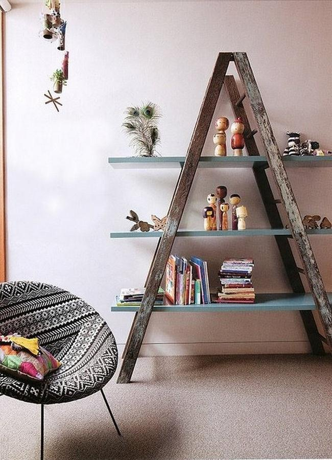 Diy shelf ideas home decor rustic wooden ladder for Old wooden ladder projects