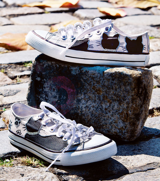 diy shoes ideas canvas sneakers black cats silhouettes flat rhinestones